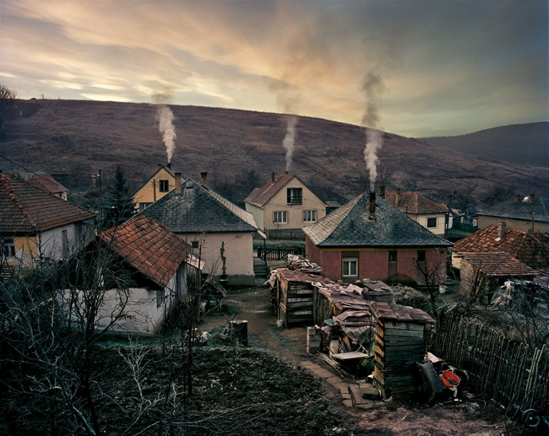 Winter V, The Roma settlement of Hevesaranyos, 2000-2006