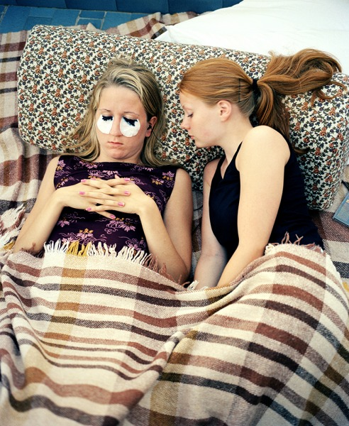 Hanna and Hanna dyeing eyelashes, Italy, 2000